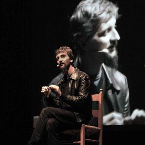 La fila indiana - Ascanio Celestini - La valigia dell'attore 2011 - Foto di Eugenio Mangia