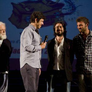 Pierfrancesco Favino con gli allievi del ValigiaLab - La valigia dell'attore 2012 - Foto di Nanni Angeli 4