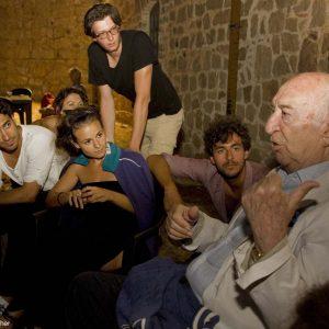 Giuliano Montaldo e gli allievi del ValigiaLab 2013 - Foto di Nanni Angeli 1
