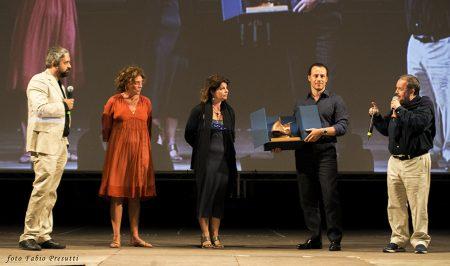 29 luglio - Fortezza I Colmi - La Valigia dell'Attore 2016 Premio Gian Maria Volonté 2016 a Stefano Accorsi con Carolina Rosi -Silvia Scola - Foto di Fabio Presutti