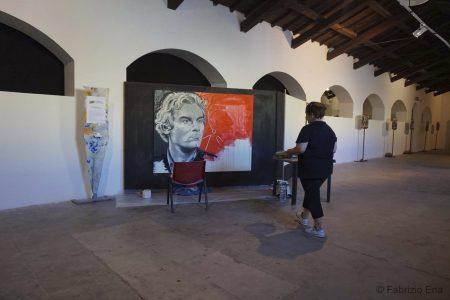 """La Valigia dell'Attore 2017 - mostra live painting di Tina Loiodice """"Volti del Cinema"""" - foto di Fabrizio Ena La Valigia dell'Attore 2017 - mostra live painting di Tina Loiodice """"Volti del Cinema"""" - foto di Fabrizio Ena"""
