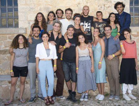 Michele Riondino con allievi del ValigiaLab 2017 - foto di Fabio Presutti