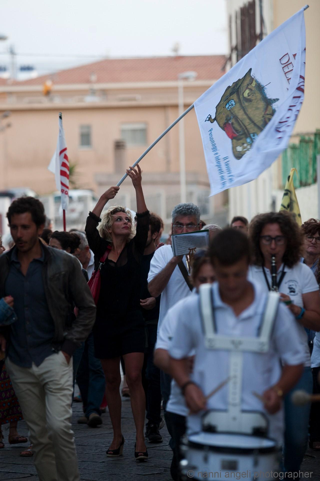 """25 luglio - """"ANTEPRIMA"""" - Banda in marcia verso l'Arena La Conchiglia - La Valigia dell'Attore 2017 - Foto di Nanni Angeli"""