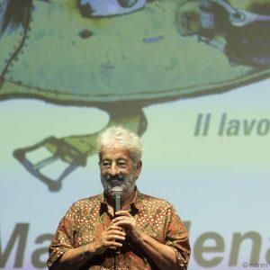 La valigia dell'attore 2019 - La Maddalena 28 luglio 2019 - Premio Gian Maria Volonté a Ennio Fantastichini nelle mani di Lorenzo Fantastichini. Gianfranco Cabiddu. Foto di Nanni Angeli