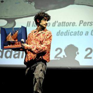 La valigia dell'attore 2019 - 28 luglio - Sala Primo Longobardo - Le isole del cinema consegnano il Premio Gian Maria Volonté a Ennio Fantastichini nelle mani di Lorenzo Fantastichini. Foto di Ugo Buonamici