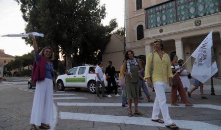 La Valigia dell'Attore – 23 luglio 2019 – in marcia verso l'Arena La Conchiglia - Foto di Ugo Buonamici