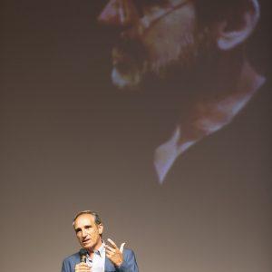 """La valigia dell'attore 2020 - 27 luglio - Fortezza I Colmi - Sergio Naitza - Introduzione """"L'ultimo Pizzaiolo"""" - Foto di Nanni Angeli"""